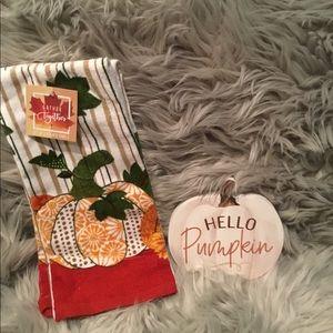 Pumpkin hand towels and Decor